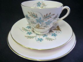 Tuscan china 'Blue Star; tea trio